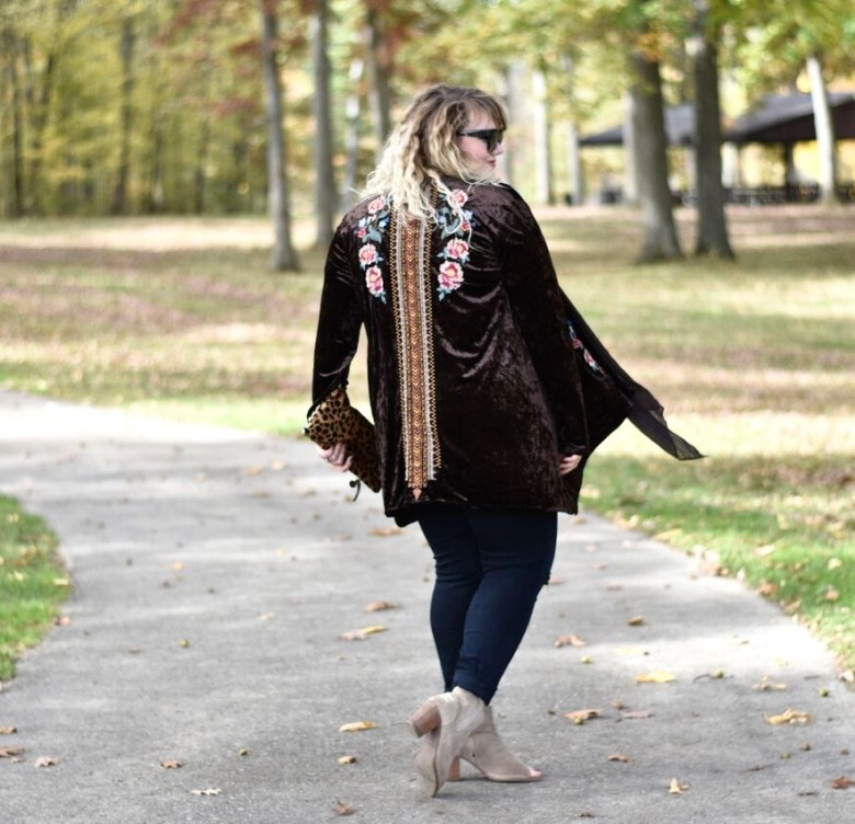 Velvet cardigan from Pink Coconut Boutique, a trendy boutique that offers both regular and plus size clothing options. Velvet is a hot trend this holiday.
