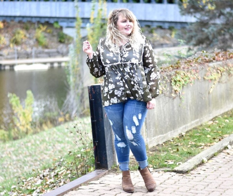 Thanksgiving with Loralette. Loralette has adorable options this holiday season for curvy babes. This post I feature a dressed up/down Thanksgiving outfit.