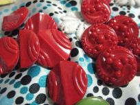 2 sets red buttons