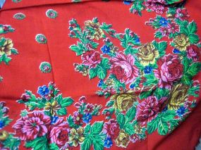 this is a vintage shawl which has a few holes, unfortunately; have a similar one in black, also with holes - drat!