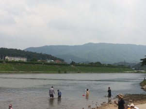 Photo of my TEFL teacher experience at Hwa Gang River.