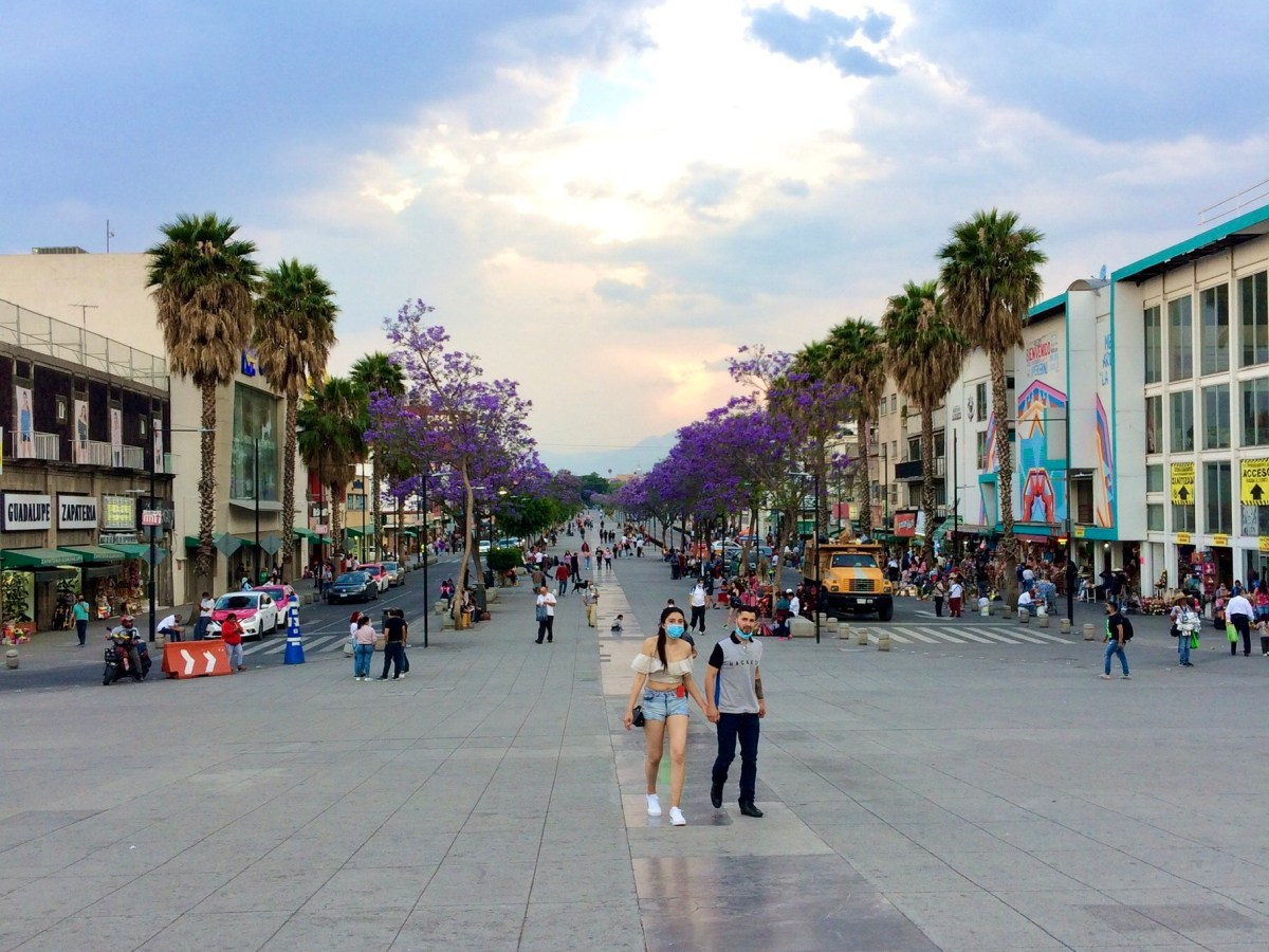 Mexico open for tourism, Calz. De Guadalupe, Mexico City