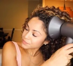 How to Use a Diffuser to Get Perfect Curlsrfect Curls