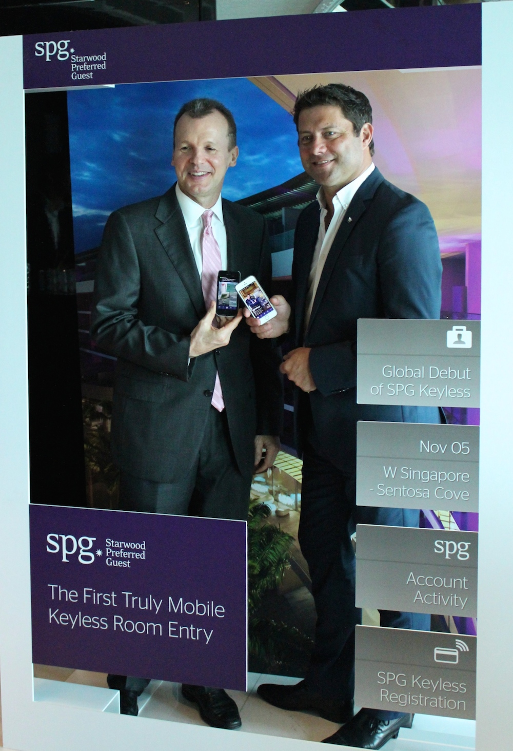 managers W Singapore presenting SPG Keyless |curlytraveller.com
