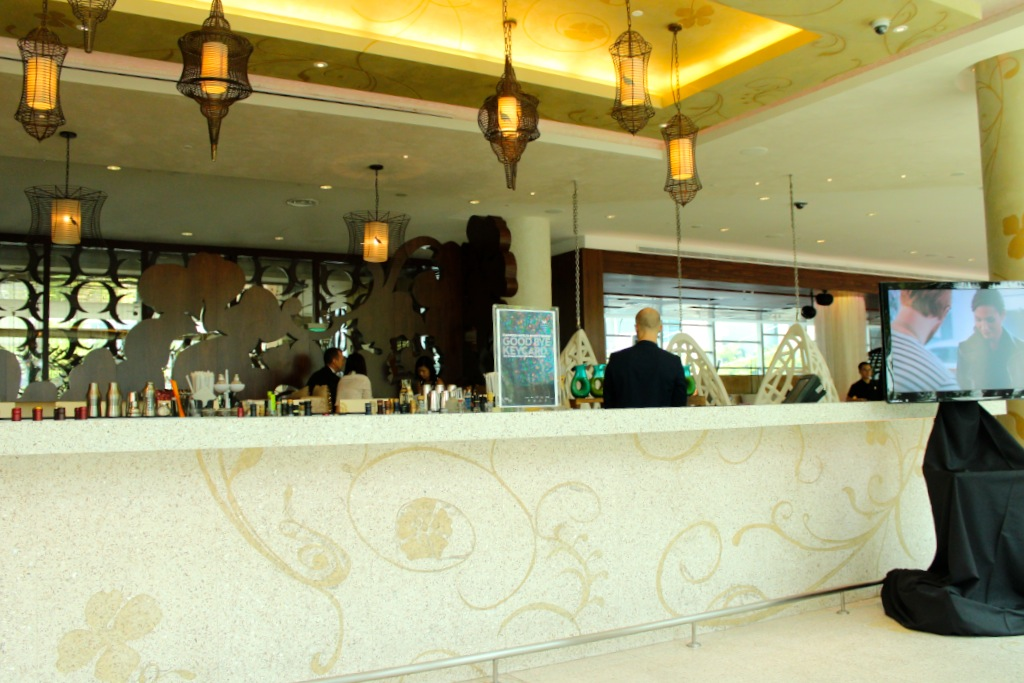 Woo Bar at W Singapore | curlytraveller.com