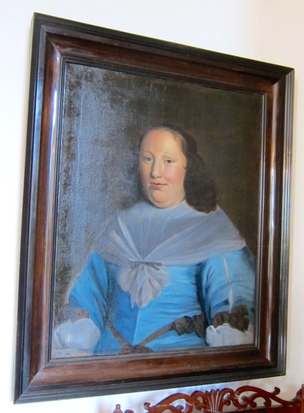 Painted portrait at Fraeylemaborg |curlytraveller.com