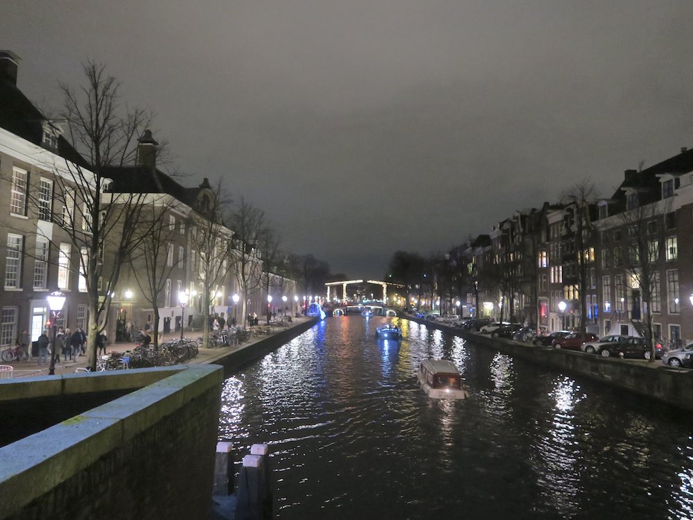 Amsterdam canals by night |curlytraveller.com