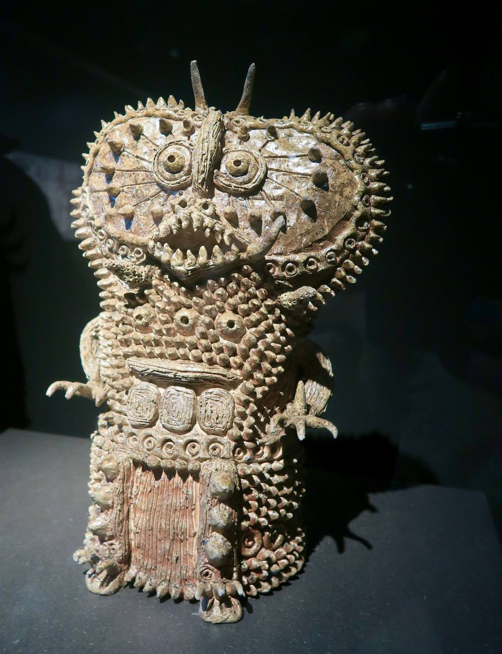 Impressive sculpture by Shinichi Sawada at outsider art museum amsterdam |curlytraveller.com