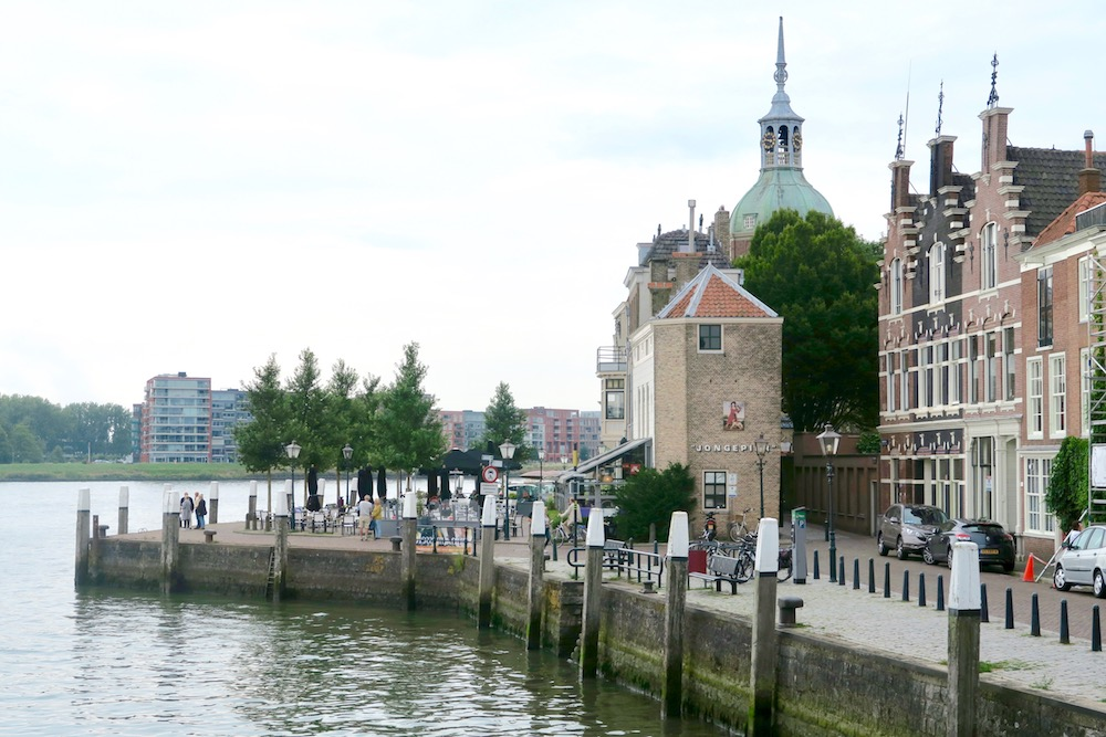 Monuments along the water in Dordrecht |curlytraveller.com