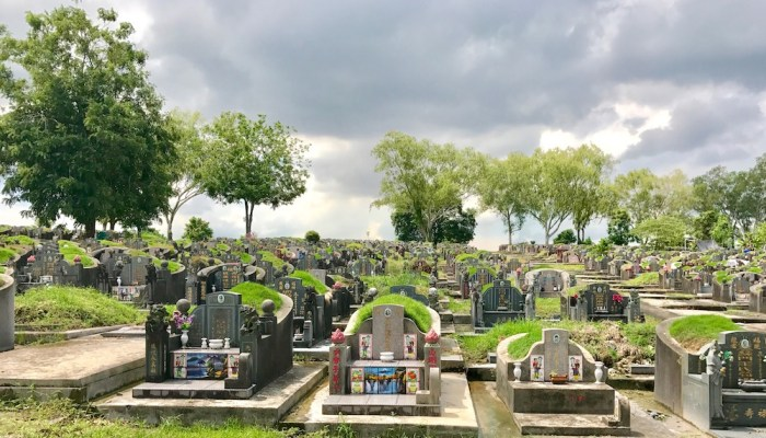 Visit Choa Chu Kang Cemetery while you still can