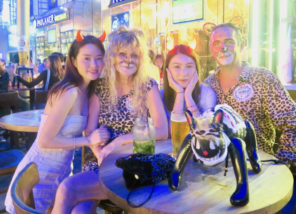 Taking welfies at Clarke Quay during Halloween |curlytraveller.com
