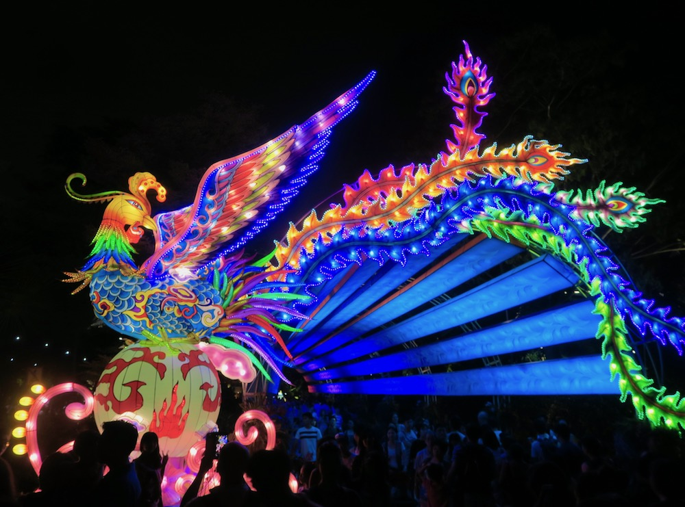 Rooster lantern at Gardens by the Bay |curlytraveller.com