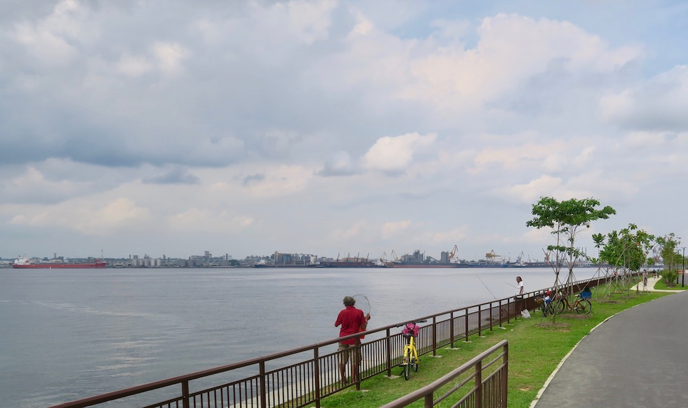 Men fishing in Punggol |curlytraveller.com