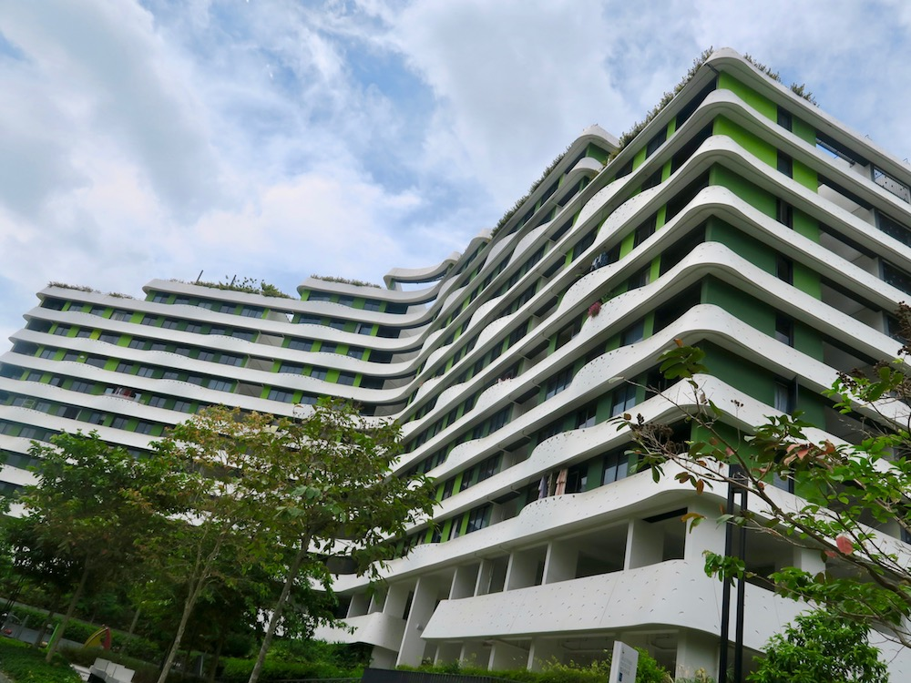 A peak at the rooftop gardens at Waterway Terraces |curlytraveller.com