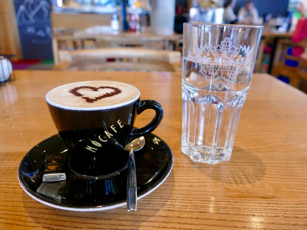 Cappuccino with heart in St. Anton |curlytraveller.com