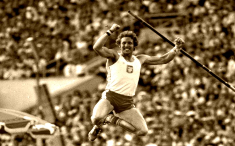 35. Olympic Games in Moscow and kozakiewic pole vault , Olympics