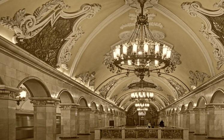 35. Moscow metro station Komsomolskaya