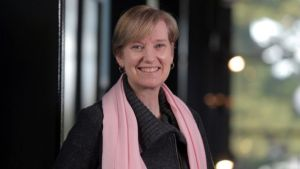Victorian minister Fiona Richardson dies after battle with cancer