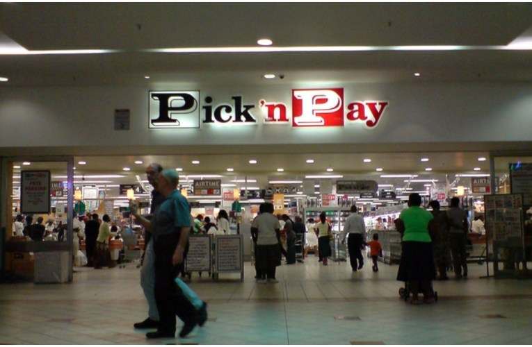 You can now deposit cash into your bank account at Pick n Pay tills