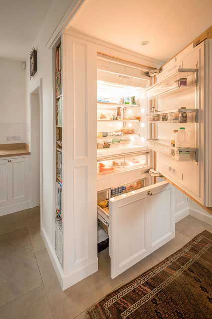 kitchen integrated fridge-freezer
