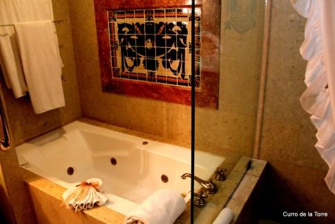 Bañera Habitación Hotel Vista Real Guatemala Navidades 2103