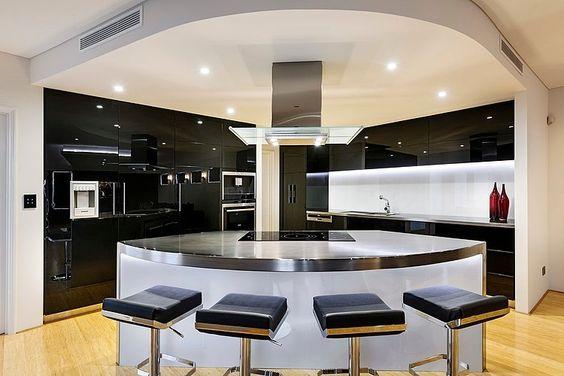 Cocina con desayunador ovalado  Curso de Decoracion de interiores  interiorismo  Decoracin  Decora tu casa Facil y Rapido como un experto