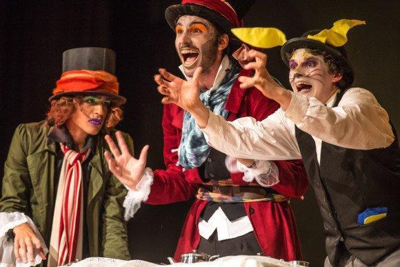 Cursos e Empregos teatro2-580x387 Cursos de Artes Gratuitos Macaé 2016