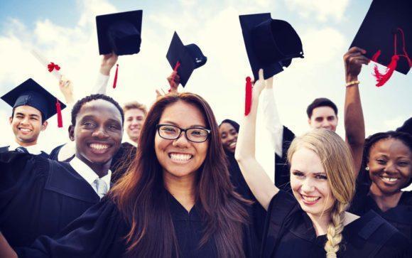 Cursos e Empregos 4-580x363 FUNVIC Bolsas de Estudo para Graduação 2016