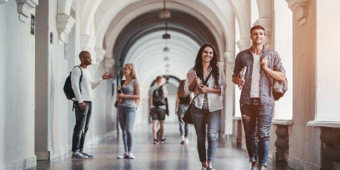 Becas para estudiar en el extranjero en verano