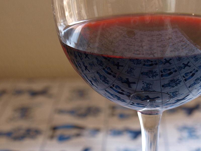 Een glas Barolo