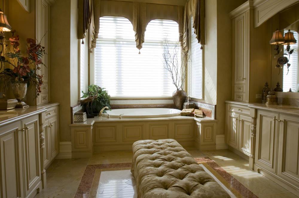 Masterbath elegant window treatment  Interior Design