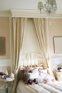 Canopy drapes to enhance an antique iron bed | Interior ...
