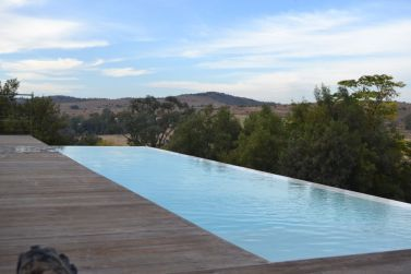 Infinity swimming pool on a game lodge