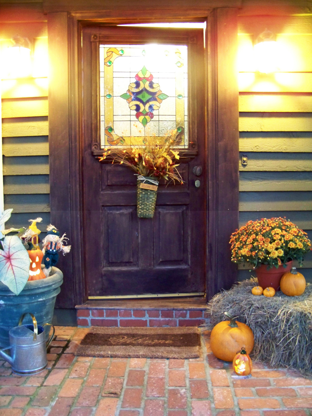 fall-doors-of-welcome
