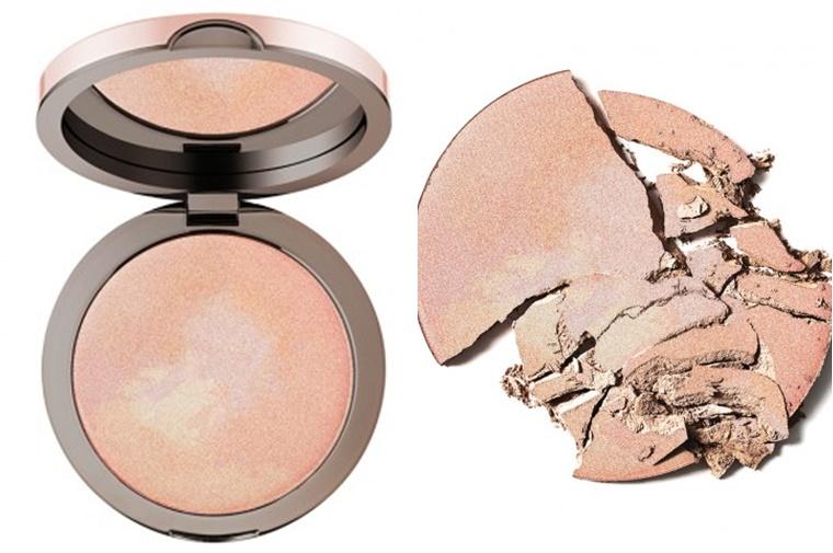 delilah cosmetics pure light compact illuminating powder aura 8 - delilah Cosmetics | Pure Light compact illuminating powder Aura