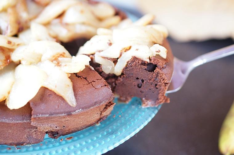 upside down cake 4 - Upside Down Cake met chocolade en peer