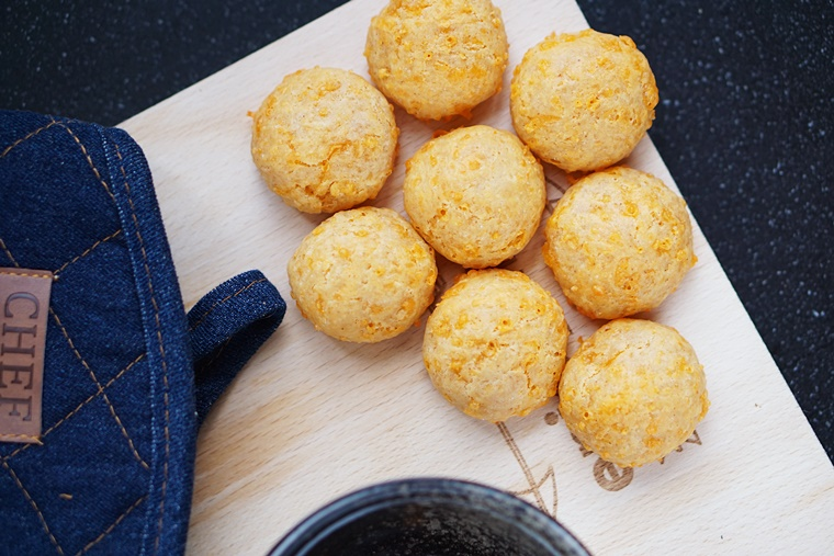 cheese puffs recept 4 - The Cookie Bakery | Cheese puffs recept