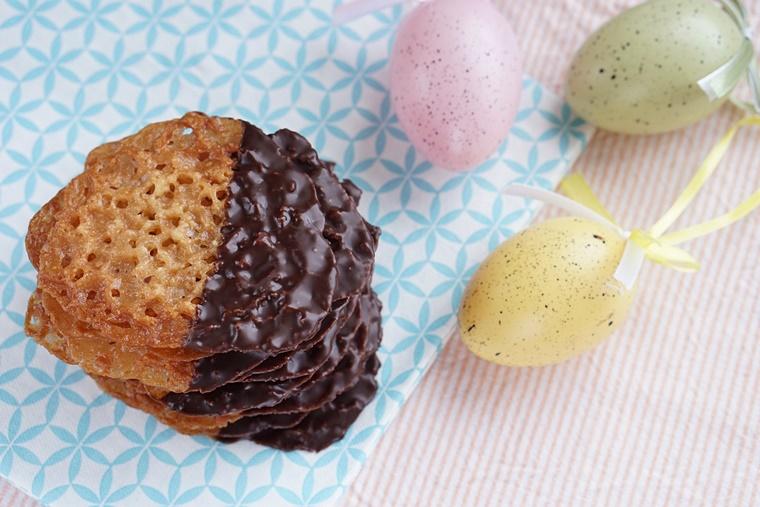 chocolade kletskoppen recept 4 - The Cookie Bakery | Chocolate dipped kletskoppen