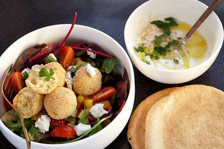 couscousballetjes recept 2 - Food | Salade met pittige couscousballetjes en geitenkaas | picknickrecepten bregblogt.nl