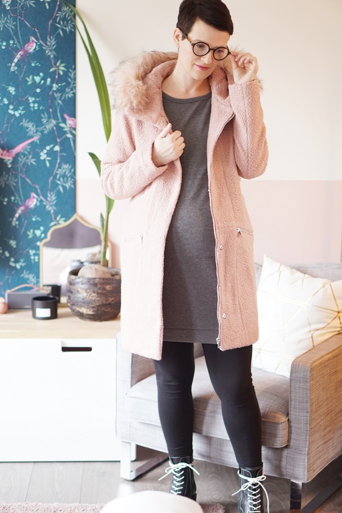roze jas winter outfit