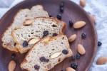 Recept | Bananenbrood met skyr en blauwe bessen