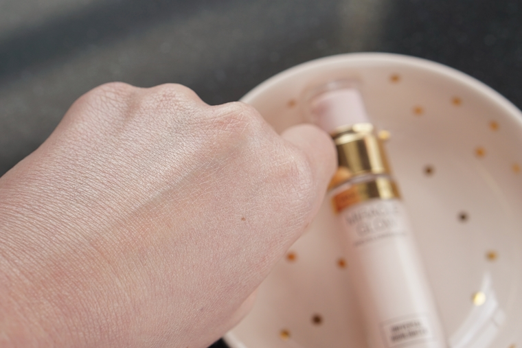 max factor miracle glow pro illuminator review