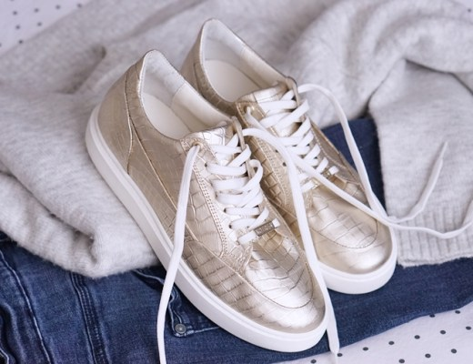 gouden sneakers trend & how to wear tips