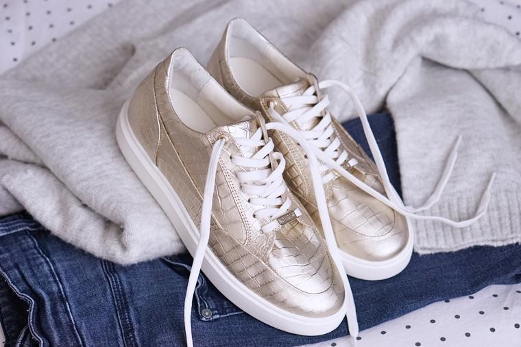 gouden schoenen combineren tips 1 - Love it! | Gouden sneakers (trend tip)