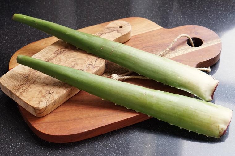 pure aloe vera gebruiken tips 1 - Skincare | Aloë vera (de helende dorstlesser voor je huid)