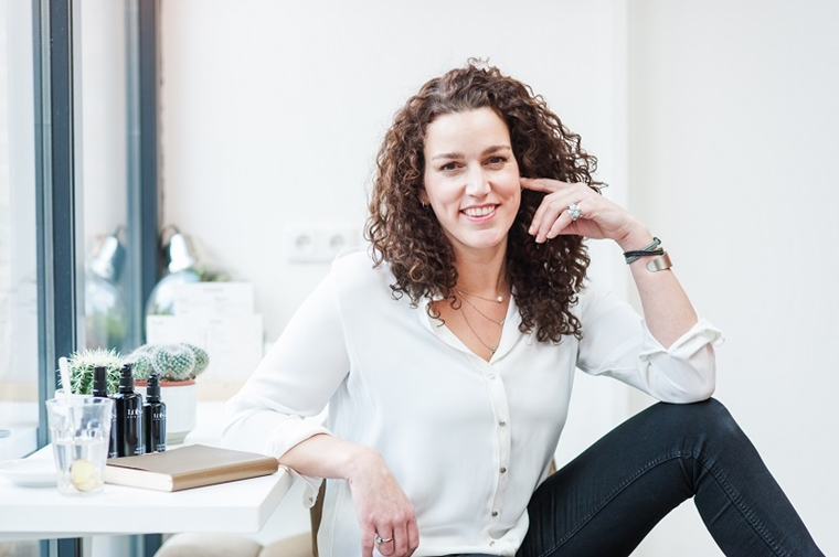 debbie van weelden lois lee interview 2 - Girlboss interview met Debbie van natural skincare brand Loïs Lee