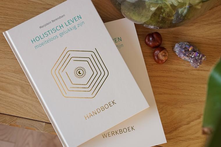 marjolein berendsen holistisch leven boek 3 - Mindstyle | Holistisch Leven, moeiteloos gelukkig zijn (boekentip)
