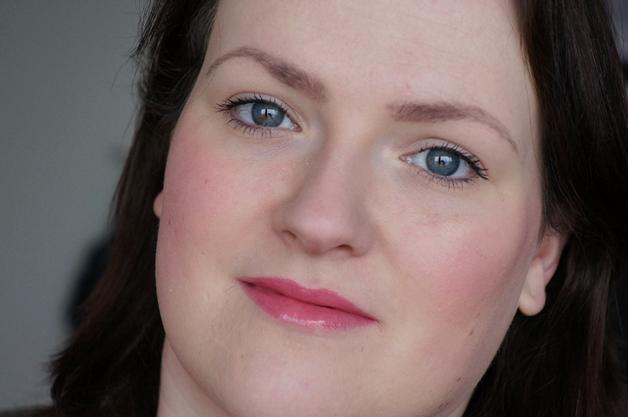 5 producten 5 minuten make up look 12 - How to | 5 minute make-up look