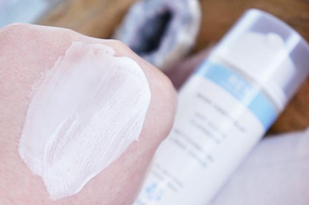 REN-skincare-rosa-centifolia-hot-cloth-cleanser-4
