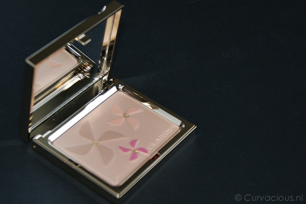 clarinscolourbreeze3 - Clarins | Colour Breeze poudre teint/blush, joli rouge brillant & gloss prodige